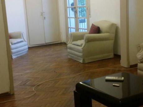 Apartamento De Dos Dormitorios, Cerca Del Centro.