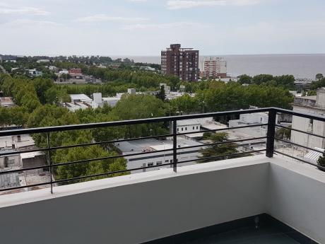 Departamento En Pleno Centro,2 Dorm-2 Baños-piso 9 Con Hermosa Vista