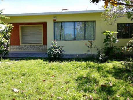 Casa 4 Dormitorios, Amplio Living Comedor, Cochera!