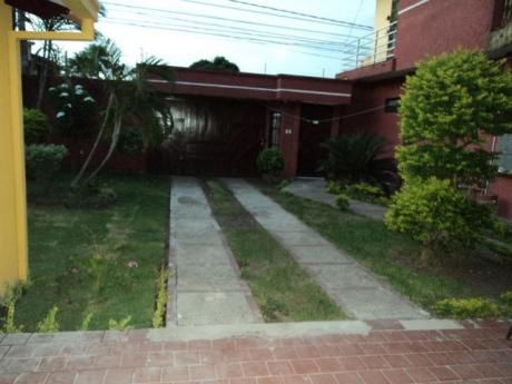 Casita Semi-independiente 2 Dormitorios En Av. Mutualista