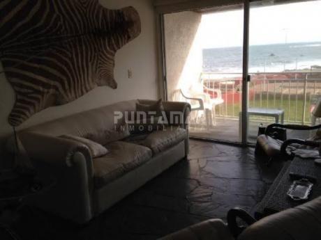 En La Peninsula Frente A Playa Brava - Ref: 210160