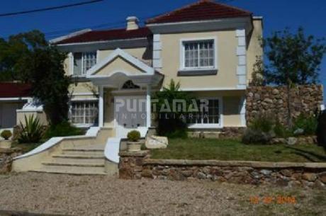 Casa En Alquiler En Pinares - Ref: 211045