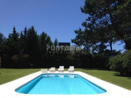 Casa En Alquiler En Rincón Del Indio - Ref: 211121