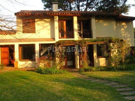 Casa En Venta En Rincón Del Indio - Ref: 211682
