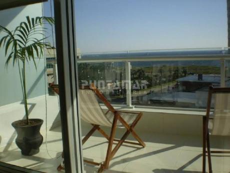 Muy Lindo Apartamento Ubicado En Torre De Categoria Y Con Amenitis Muy Completos, A Pasos Del Hotel Conrad Y Playa Mansa.