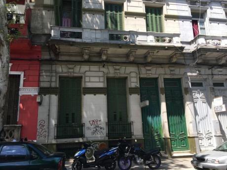 Casa De Pensionado Con Muy Buena Renta !!