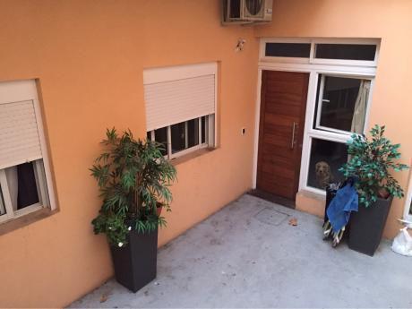 Precioso Apartamento En Cordón.-