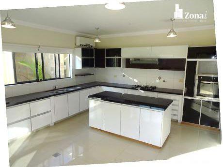 4 Suites - Hermosa Casa En Cond. Zona Norte 8vo Anillo