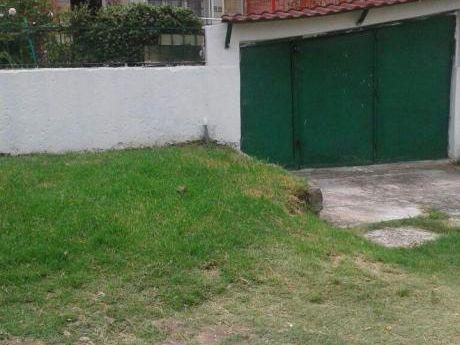 Casa Con 3 Dormitorios Garage Y Jardin