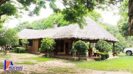 Bella Y Amplia Casa-quinta Ubicada En Cotoca
