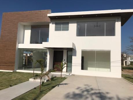 Hermosa Casa En Venta (scz La Vieja - Urubo)