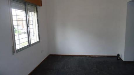 Hermosa Casa 2 Dorm 2 BaÑos Con Garaje
