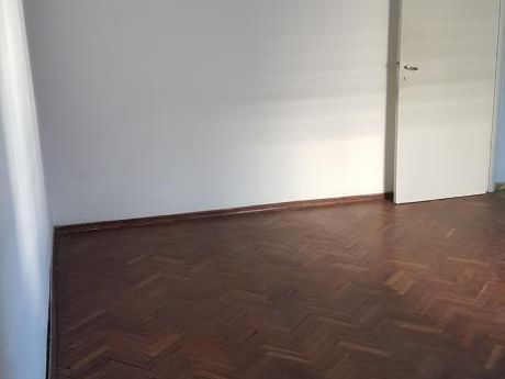 Apartamento De 1 Dormitorio, Centro, Paraguay Esq Maldonado