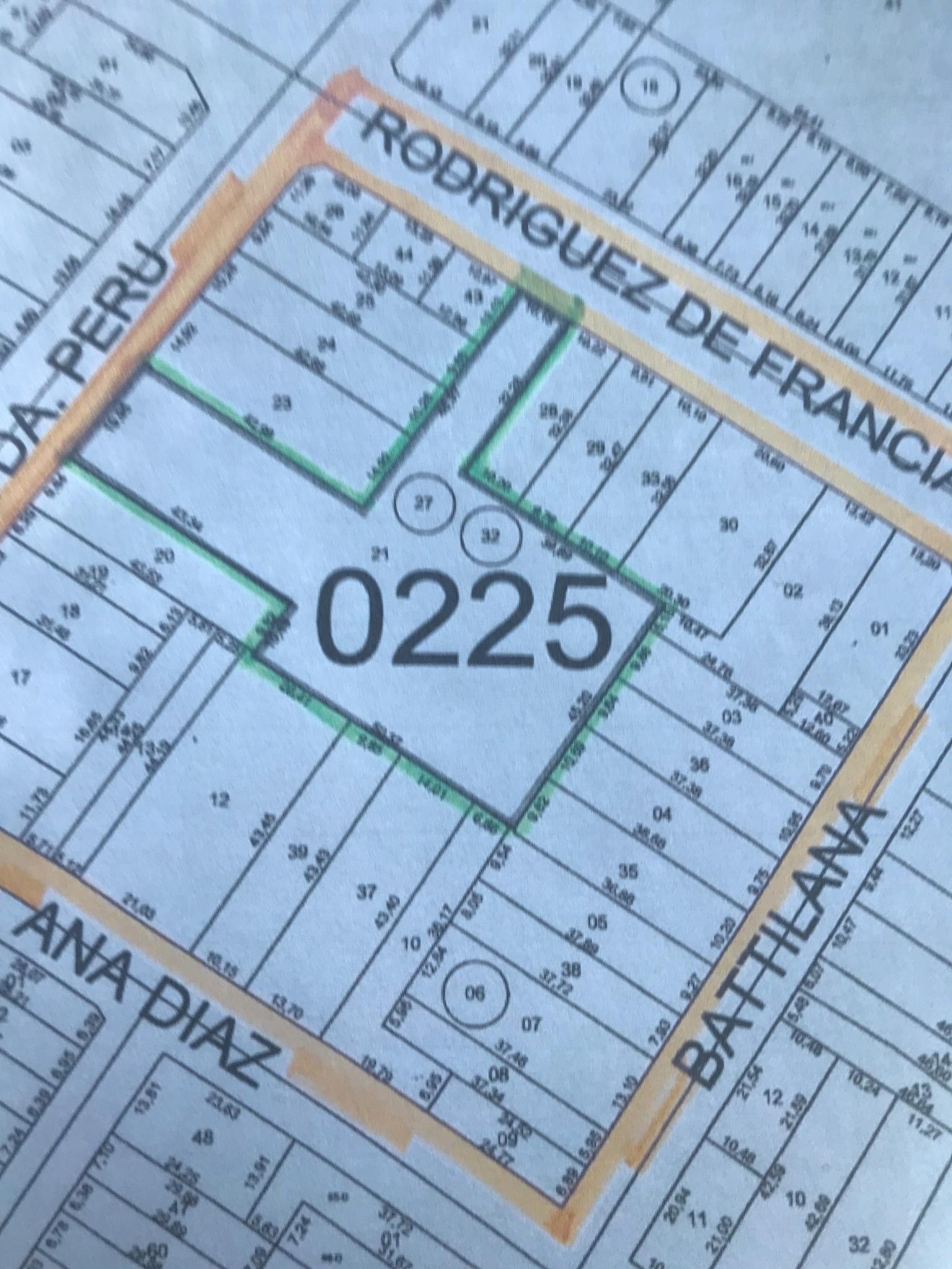 VENDO V-126 Propiedad Zona Mercdo 4