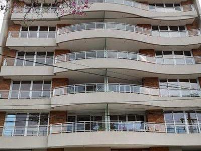 Alquilo Departamento Amoblado De 1 Dormitorio En Villa Morra.