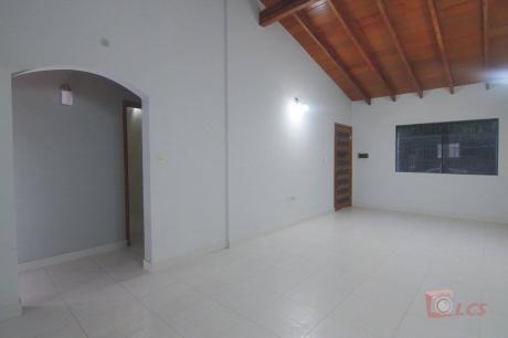 Casa En Lambare, Zona Super Pueblo