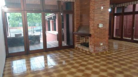 Alquilo Amplia Casa En Zona Villa Morra