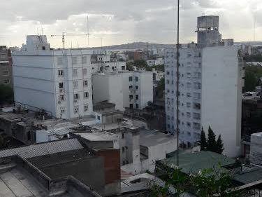 Apartamento En Calle Uruguay Con Garage