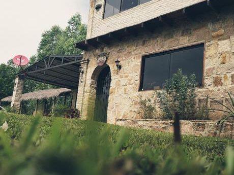 Vendo Casa Quinta En Mbatovi Completamente Amoblada