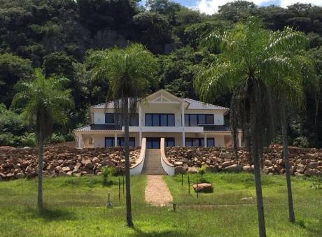 Fabulosa Casa En CaacupÉ