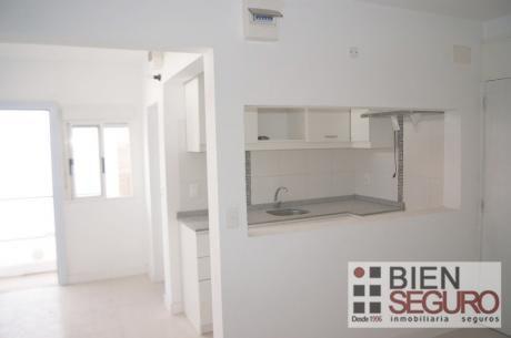 Lindo Apartamento Reciclado, De 2 Dorm, En Venta En Cordón