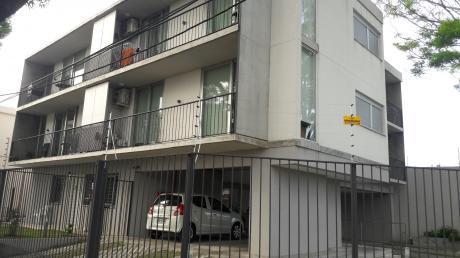 Se Vende Apartamento En Atahualpa 2 Dormitorios Con Garaje Doble