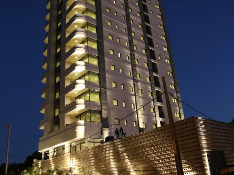 Torres Bolik Vende Hermosos Departamentos Sobre Costanera De Encarnación