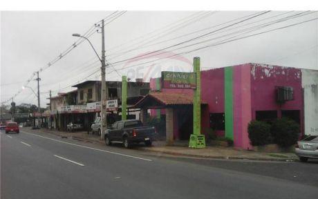 ñemby, Local Comercial En Esquina Sobre Acceso Sur A Metros De Paraguay  Refrescos