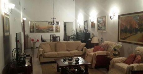 Amplia & Confortable Residencia