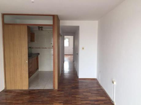 Alquiler De Apto Al Frente 1 Dormitorio, Terraza Al Frente