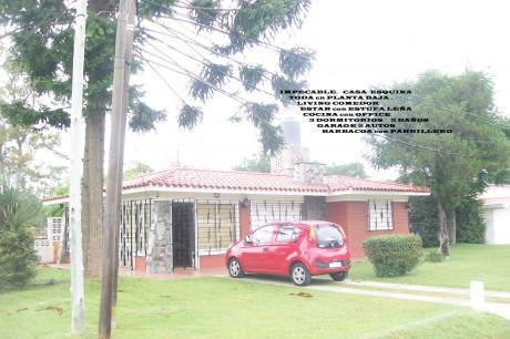 *casa Esquina Entre Rambla E Interbalnearia Impecable*