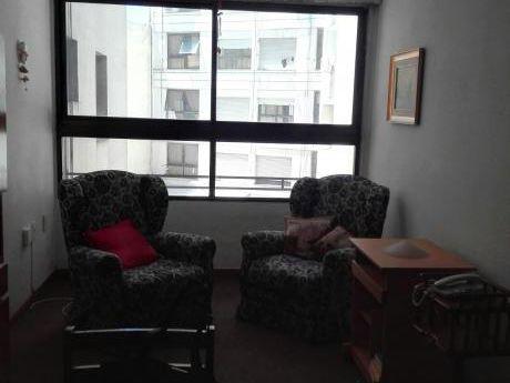 Apartamento 1 Dormitorio,en Tres Cruces!!