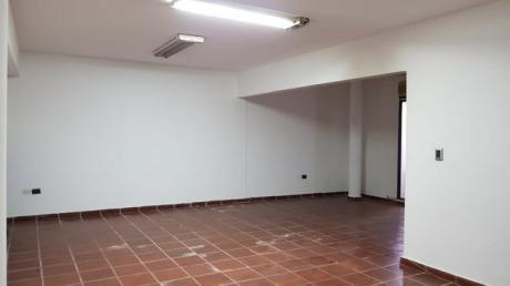 Alquilo Amplia Oficina En Villa Morra