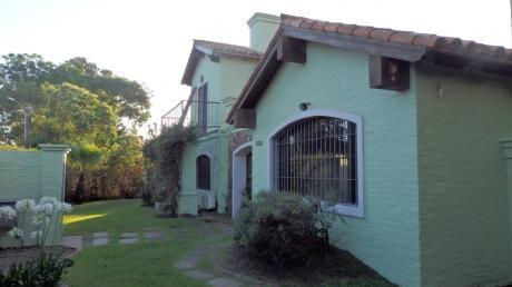 Estupendo Chalet Colonial Con Piscina Y Barbacoa