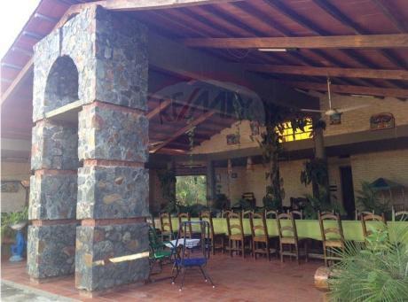 Casa Quinta De 17.600m2 Con Arroyo