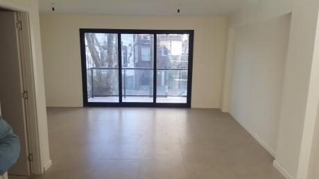 Edificio De 420 M2 Con Local Comercial Y 6 Pisos De Apartamentos