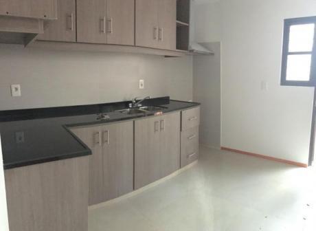 Buceo Apartamento 2 Dormitorios Fondo Parrillero