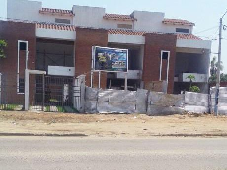 Casa 3 Plantas + Piscina