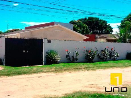 Casa De 1 Planta Con Amplio Terreno Zona Sur