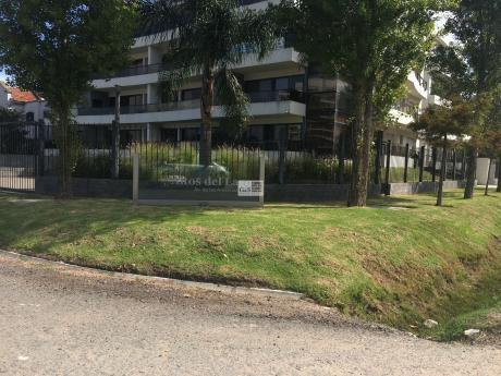 Apartamento Sobre Avenida De Las Americas