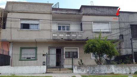 Apartamento Al Frente Primer Piso, Tres Dorm
