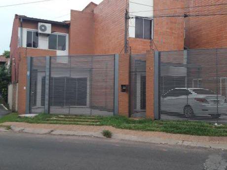 Alquilo Duplex En Bo. Villa Aurelia De 3 Dormitorios Con 2 Cocheras.