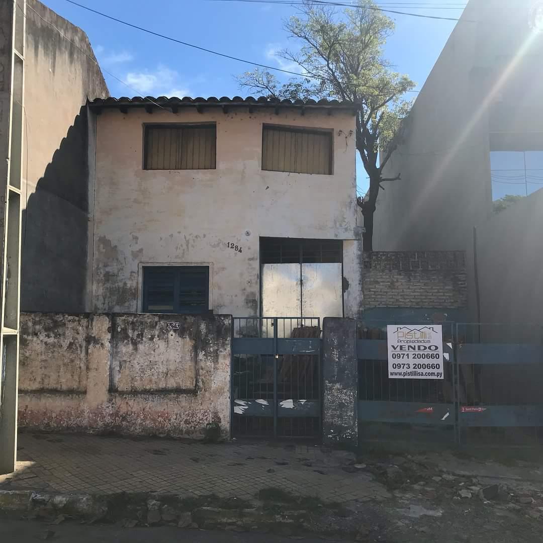 Vendo Casa A Refaccionar Ideal Para Oficina O Vivienda.