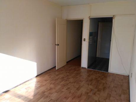 Apartamento 1 Dorm Cordon 40 Mts 8 De Octubre Esquina 18 De Julio