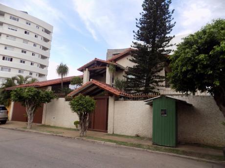 Casa En Alquiler Equipetrol