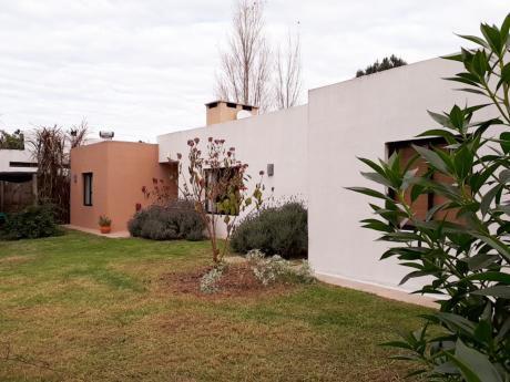 Venta Casa 2 Dormitorios Gran Terreno Punta De Pinares