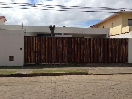 Barrio Las Palmas Casa De 1 Planta