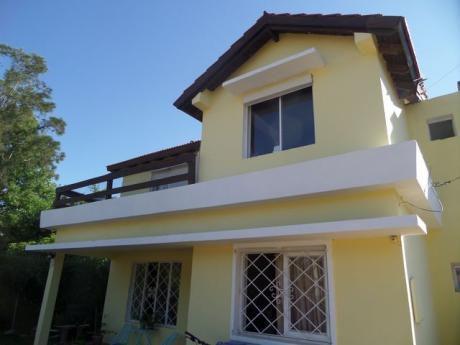 Solida Casa En Parque De Solymar