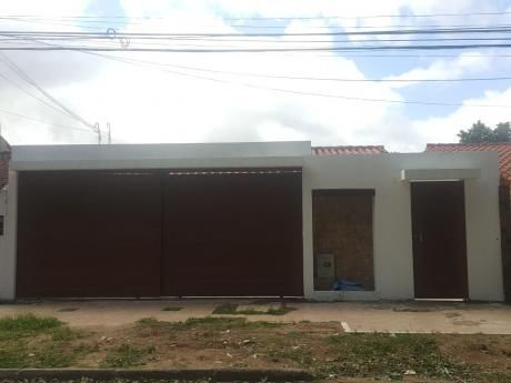 Inmobiliaria Ofrece: En Alquiler Casa Independiente  Zona Oeste Av. Pirai