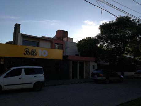 Casa En Venta Con área Comercial